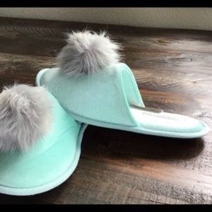 Victoria's Secret mint green slippers